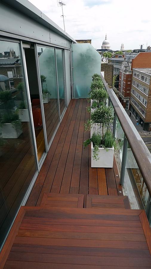 garden-designer-landscaper-london-design-bespoke-modern-balcony.JPG