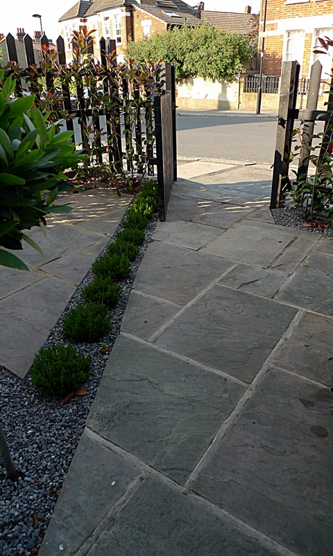 pimlico-paving-patio-garden-sandstone-paving-london.JPG