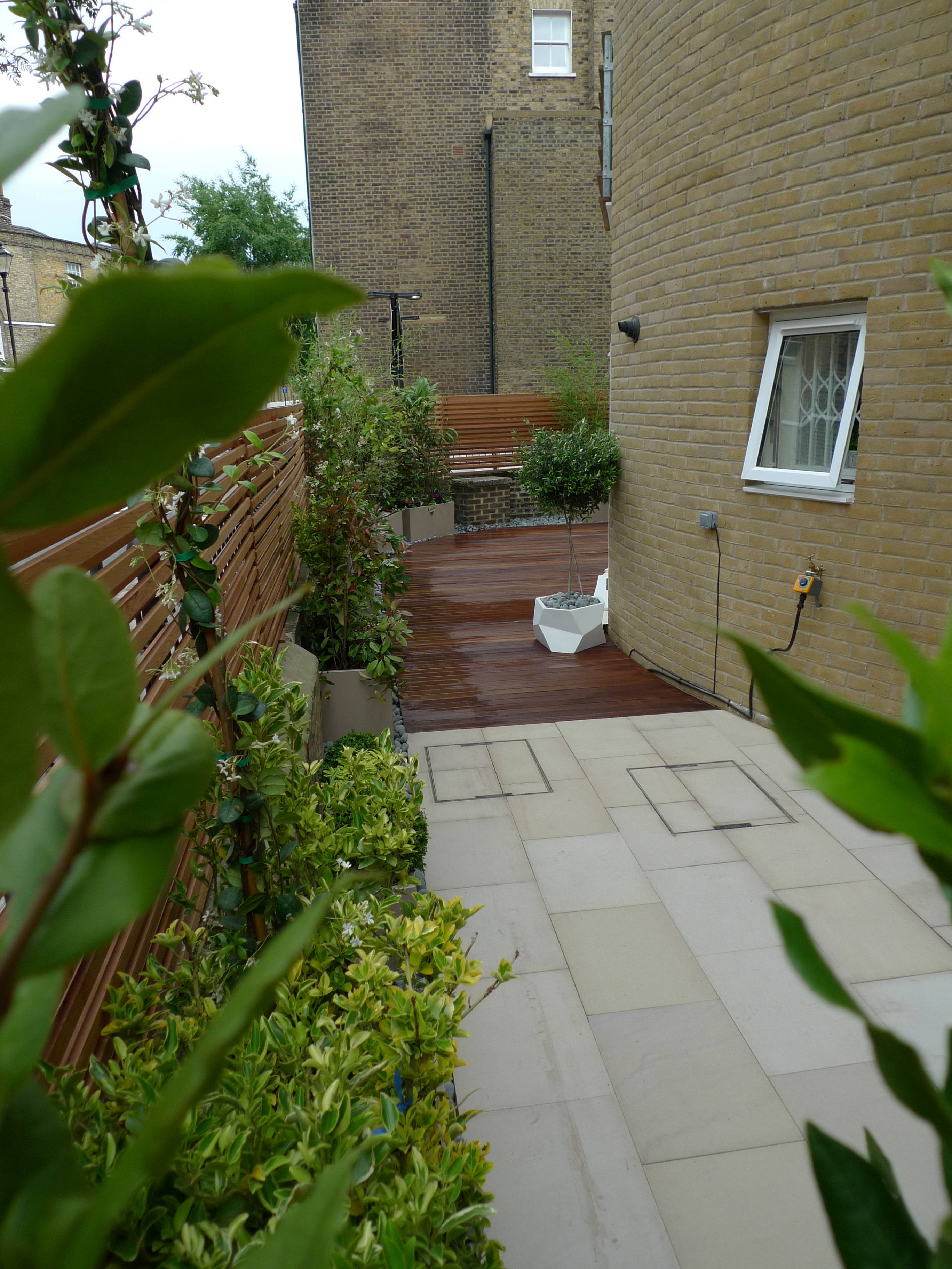 sawn-sandstone-paving-london-islington-patio.JPG