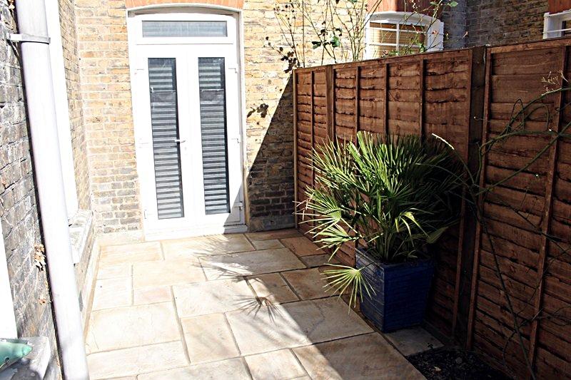 side-return-paving-patio-london-natural-indian-sandstone.JPG