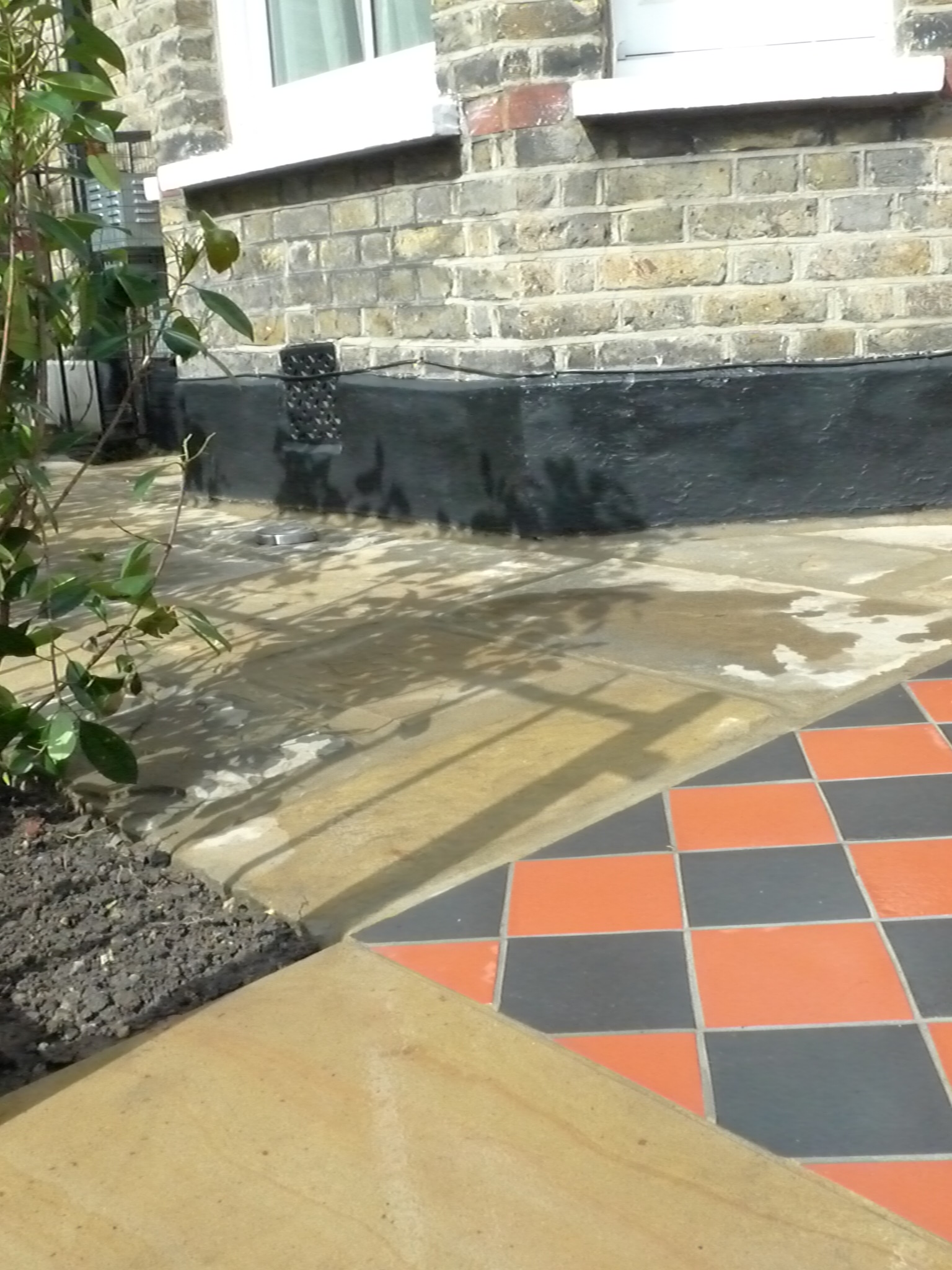 cut-yorkstone-entrance-stone-and-reclaimed-yorkstone-london-patio-supllier-garden.JPG