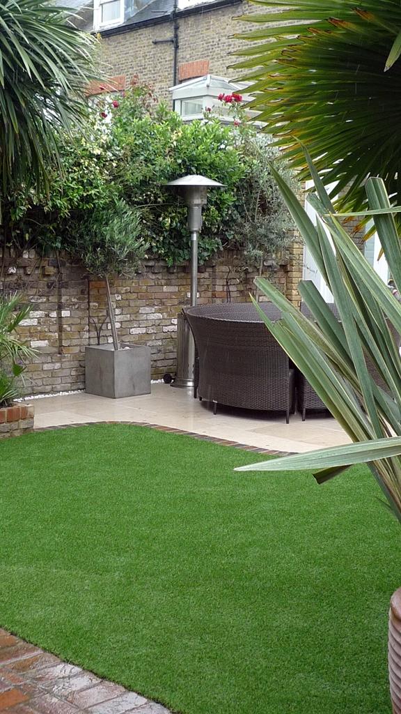 molianos-limestone-patio-paving-london.JPG