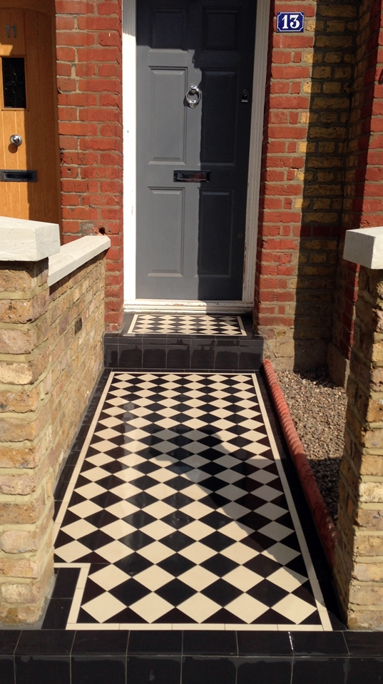 classic victorian four inch 100mm black and white mosaic tile path london