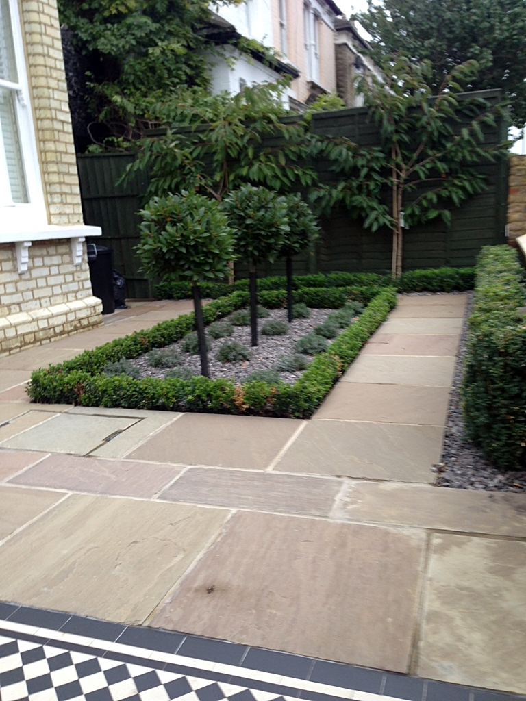 Balham front garden london london garden design for Formal front garden ideas
