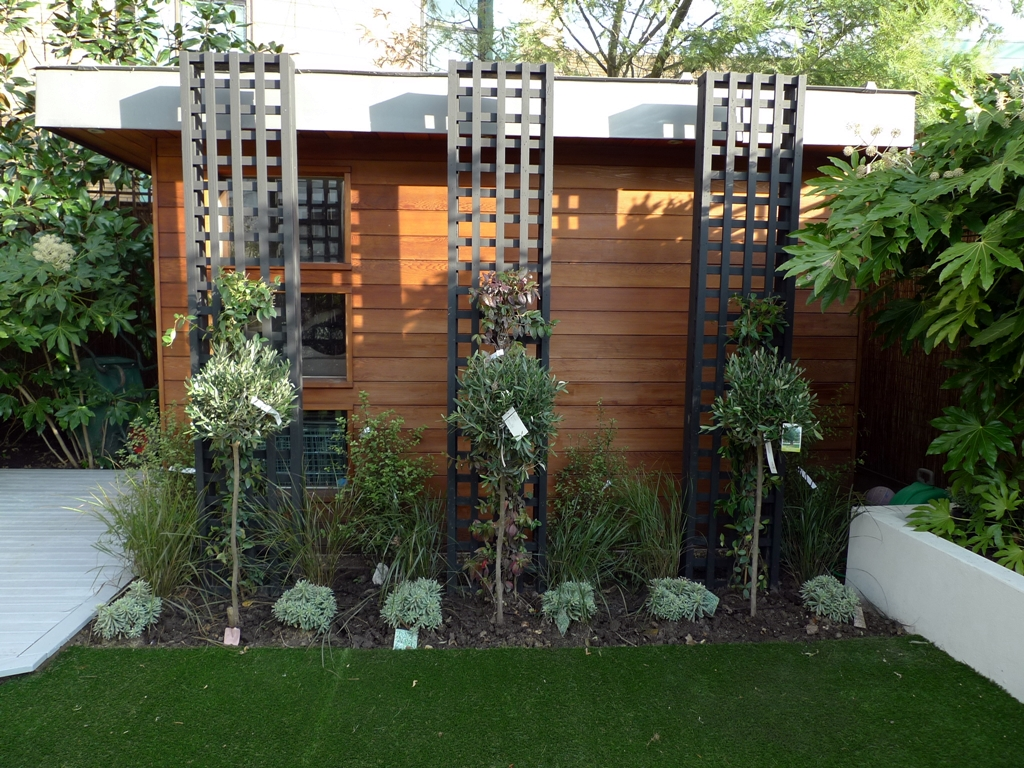 trellis and planting black screen summer house fake grass london