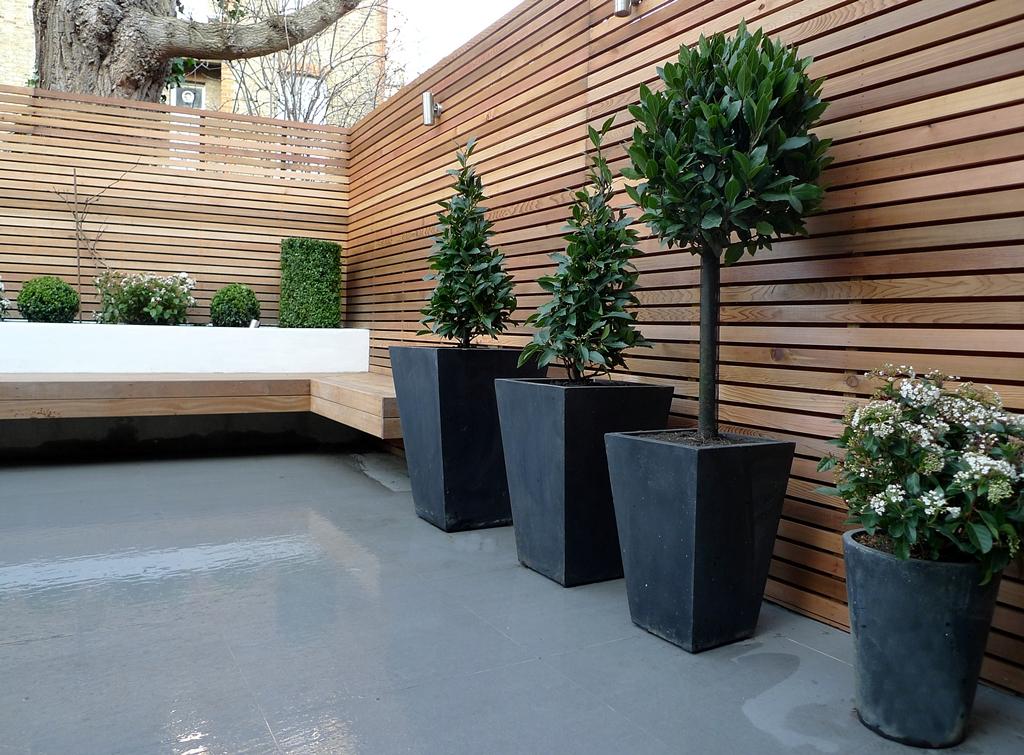 cedar horizontal slatted hardwood privacy screen fence london