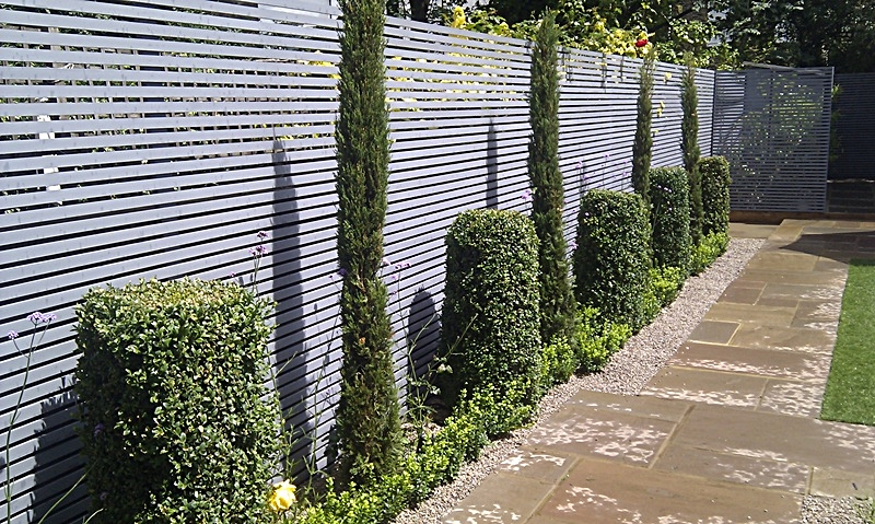grey painted slatted horizontal privacy screen london