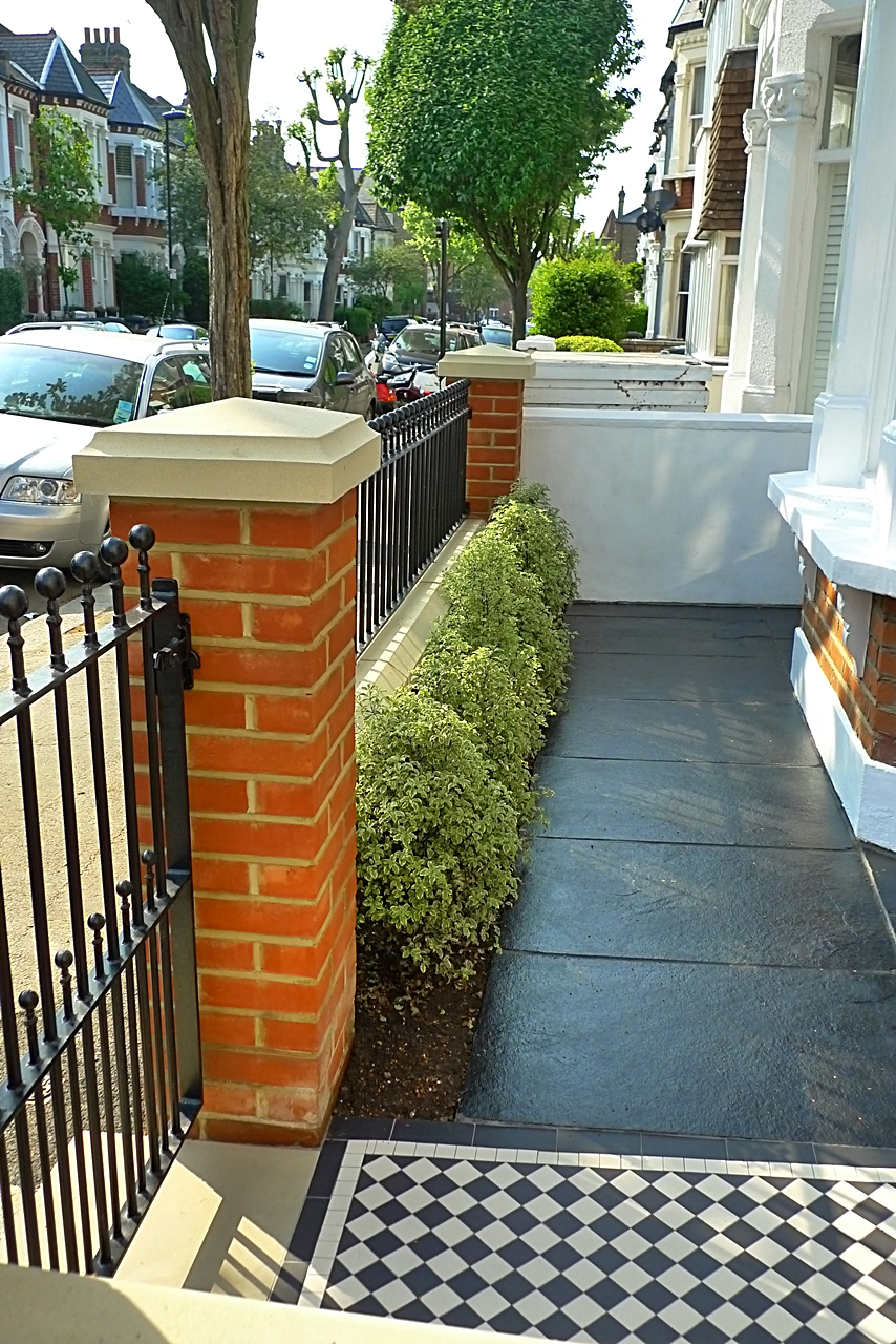 Restoration london garden design for Small front garden designs