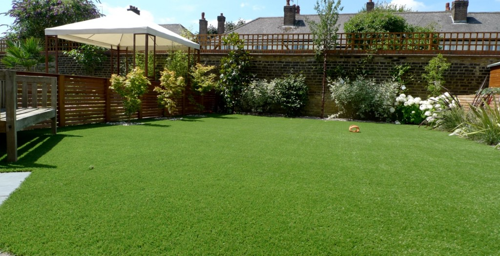 Large modern garden design earlsfield south west london for Large grasses for gardens