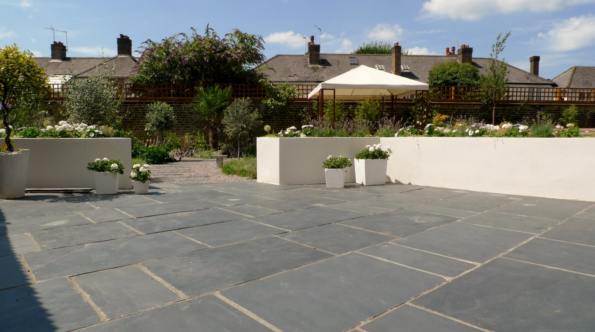 Large modern garden design earlsfield south west london for Large patio design ideas