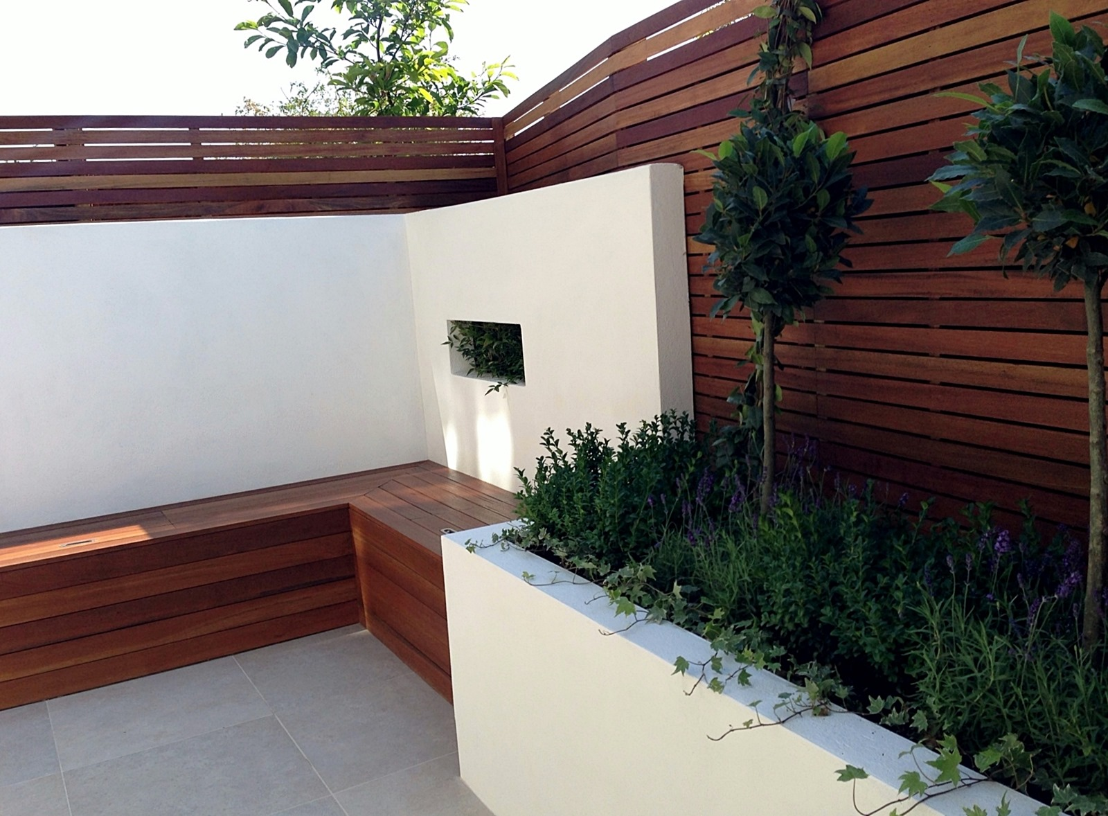 Small garden design london clapham balham ideas low for Small garden designs low maintenance