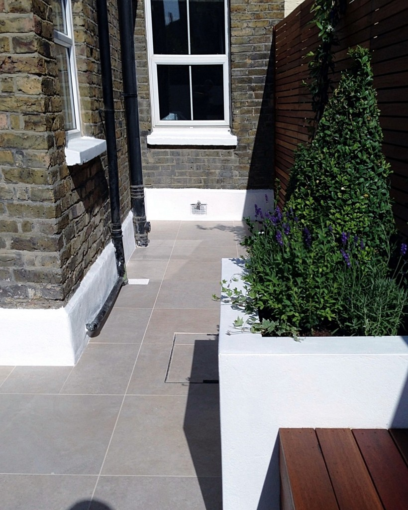 small garden design london clapham balham ideas low maintenance grey tiles (23)