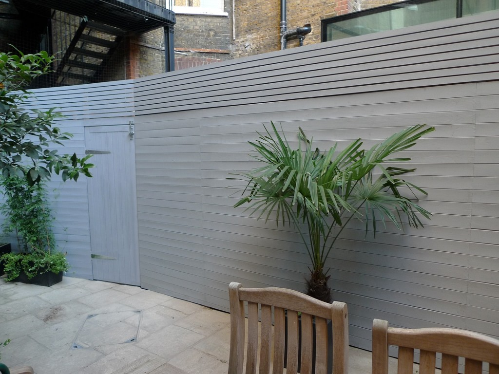 grey closed board fence and privacy screen trellis fulham and chelsea london (1)