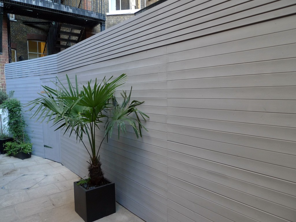 grey closed board fence and privacy screen trellis fulham and chelsea london (3)