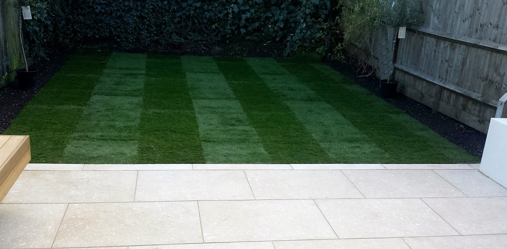 grey limestone patio paving raised beds floating hardwood bench clapham london (9)