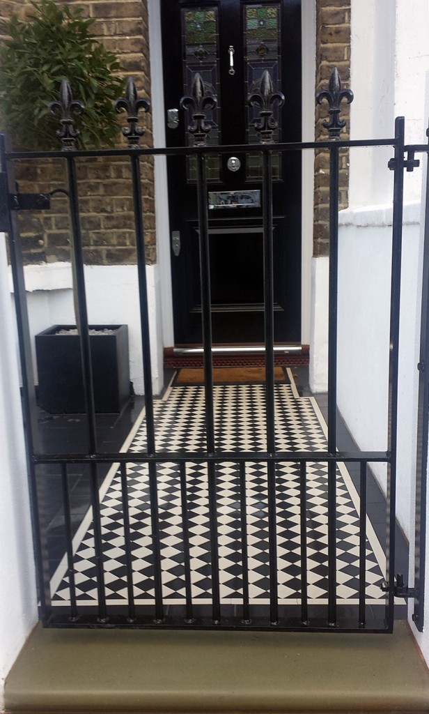 Front garden victorian mosaic rendered front wall rail and meatl agte slate paving walthamstow and east london (3)