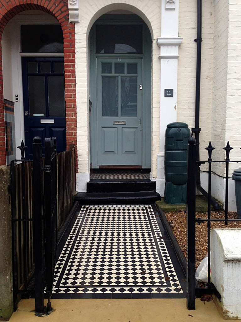 balham wandsworth victorian black and white mosaic tile path London (1)