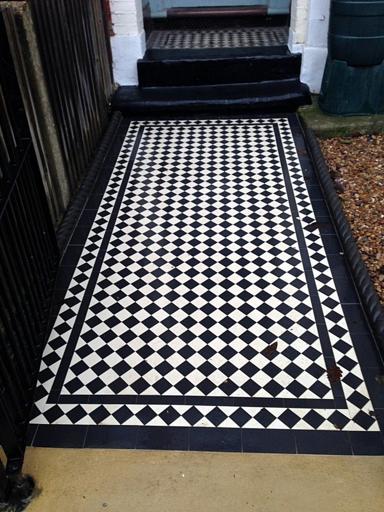 balham wandsworth victorian black and white mosaic tile path London (2)