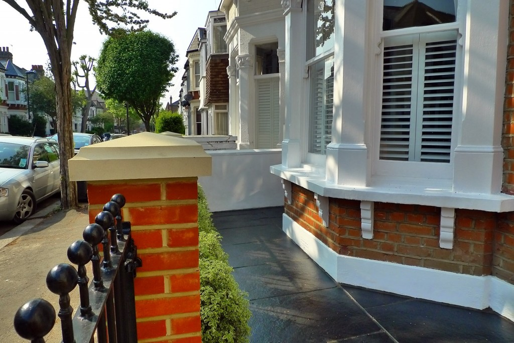 clapham balham Victorian front garden mosaic tile path red brick wall black paving metal wrought iron gate and rail london (10)