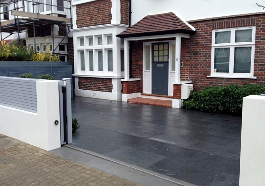 driveway car space paving granite bike bin store white wall grey privacy screen trellis automated gates balham clapham dulwich london (1)