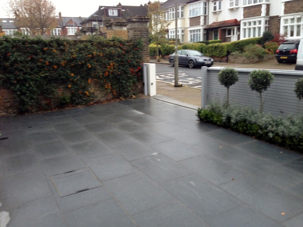 driveway car space paving granite bike bin store white wall grey privacy screen trellis automated gates balham clapham dulwich london (11)