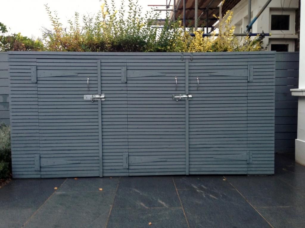 driveway car space paving granite bike bin store white wall grey privacy screen trellis automated gates balham clapham dulwich london (15)