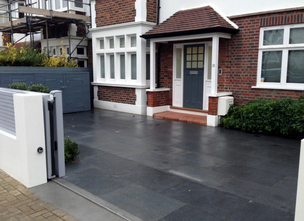 driveway car space paving granite bike bin store white wall grey privacy screen trellis automated gates balham clapham dulwich london (2)