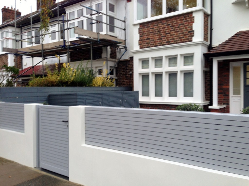 driveway car space paving granite bike bin store white wall grey privacy screen trellis automated gates balham clapham dulwich london (28)