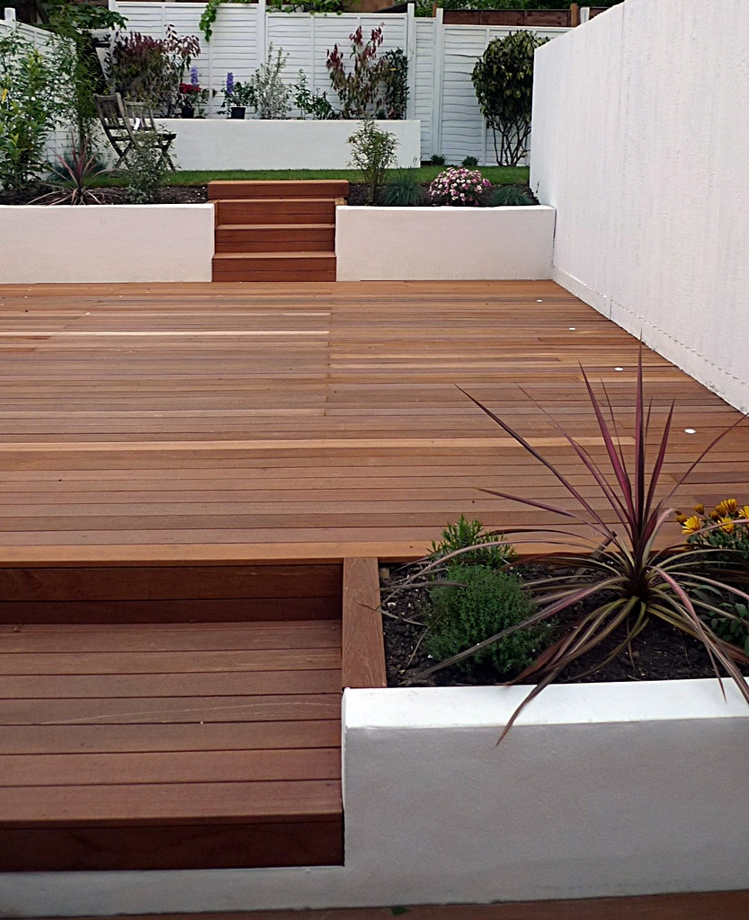 garden design clapham balham decking white fence low maintenance planting (2)