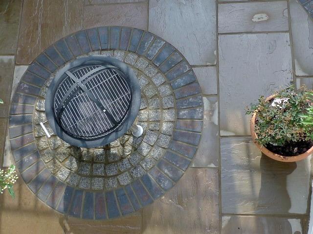 islington garden design courtyard builders designers paving hardwood screen curved bricks london (8)