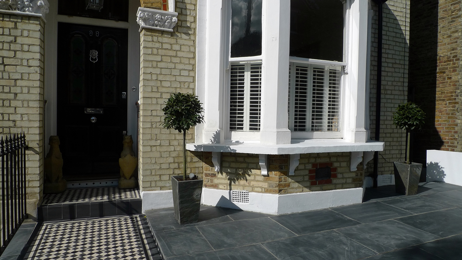 front garden design balham clapham wandsworth slate mosaic wall rail london - Front Garden Ideas London