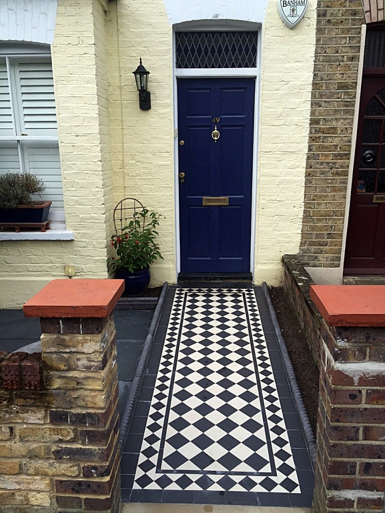 Charcoal rope edge tiles Balham render garden wall entrance stone multi colour  mosaic