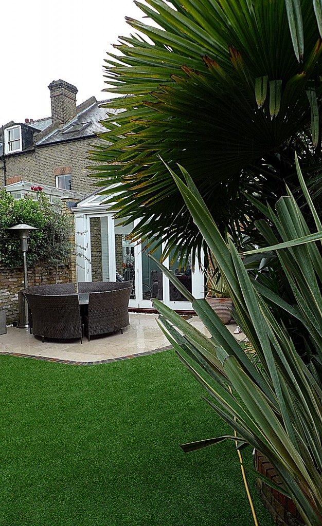 Easi grass  small garden design fake London Balham Clapham planting