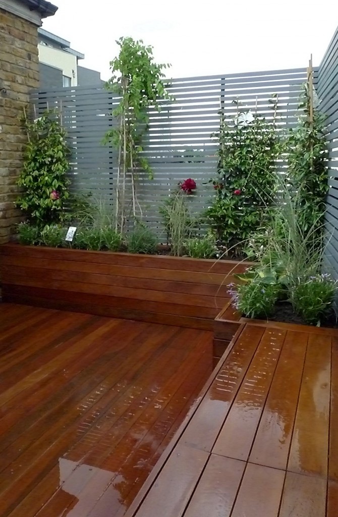 Floating bench plants Chelsea London Fulham small garden design
