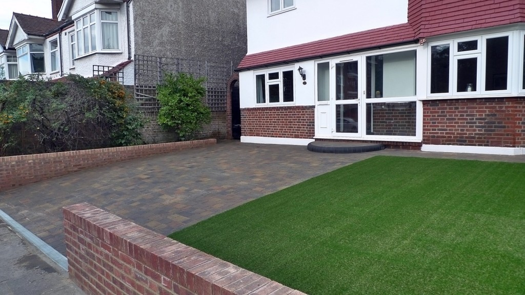 London garden design artificial grass paving Balham Clapham Battersea