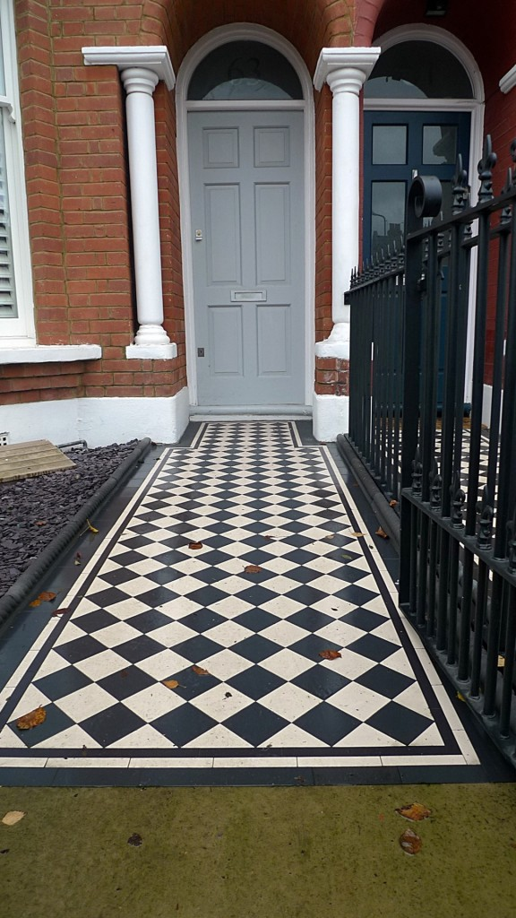 Ornamental stone Victorian mosaic black and white metal rail metal gate charcoal rope edge tiles  York stone entrance stone slate chipping Balham Clapham Streatham West Norwood Battersea London