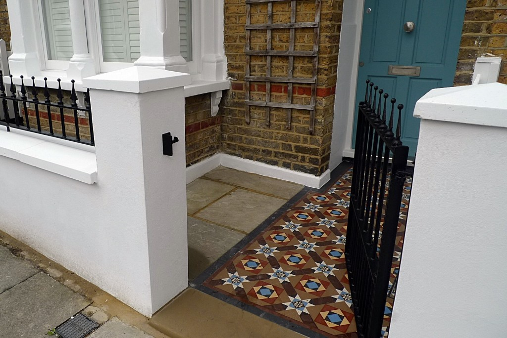 Ornamental stone Victorian mosaic multi colour mosaic metal gate metal rail brick garden wall render garden wall Earsfield Putney Wimbledon Wandsworth London