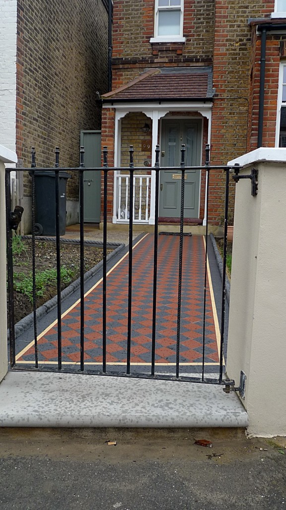 Ornamental stone Victorian mosaic multi colour mosaic metal rail meta gate York stone entrance stone charcoal rope edge tiles render garden wall Streatham Balham West Norwood Clapham London