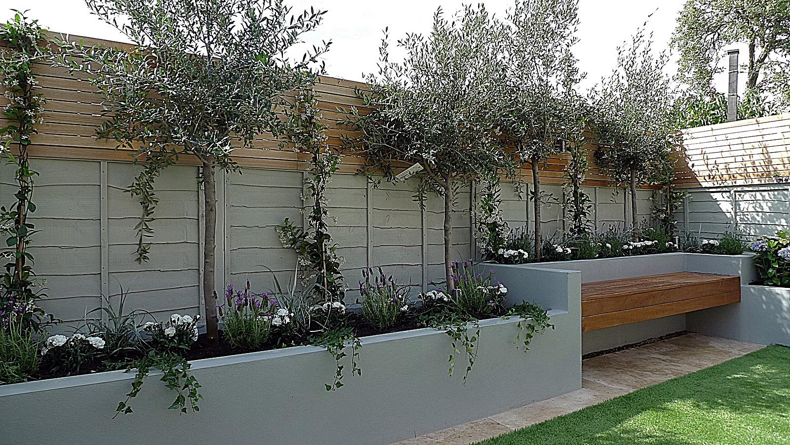 Travertine Paving Raised Beds Hardwood Painted Fence Balham Clapham Dulwich London Garden Design