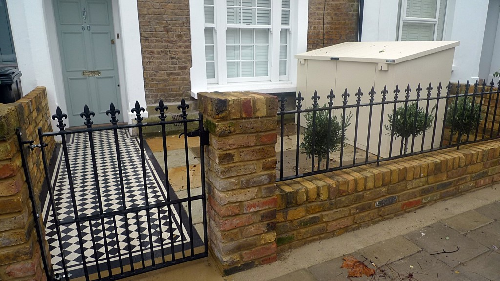 Traditional front garden design London