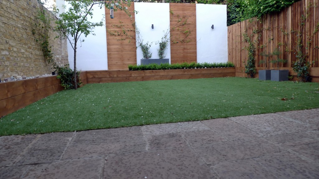 Trellis garden design limestone paving Fulham Wandsworth Putney London