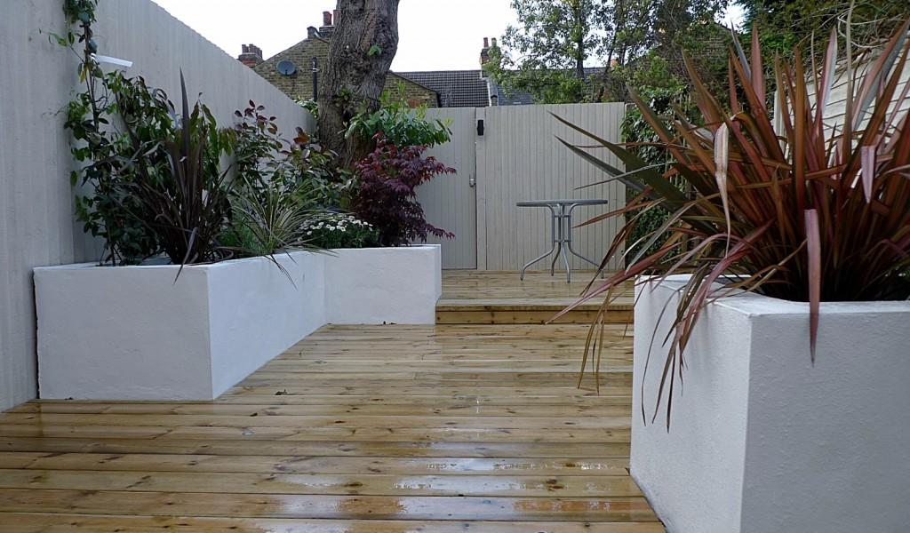 Trellis planting modern garden design Chelsea Fulham Wandsworth