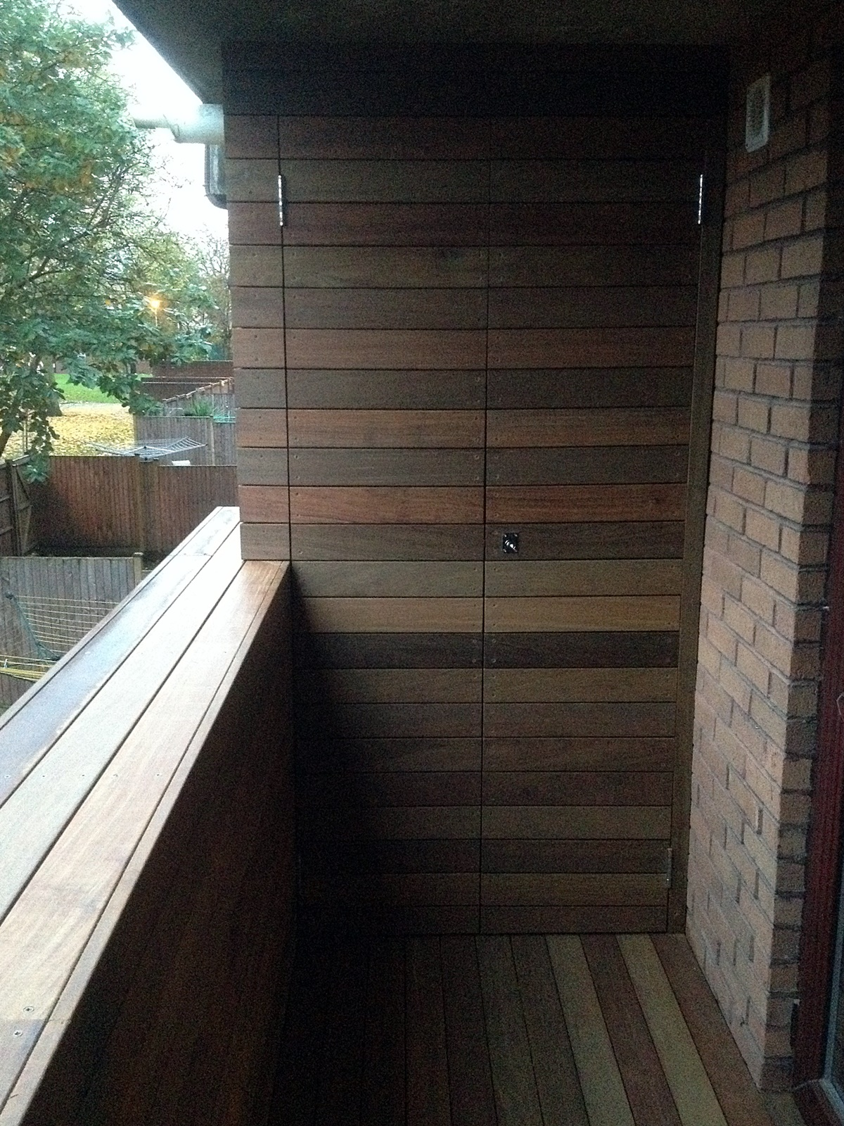 Bespoke hardwood storage unit balcony roof terrace ipe for Terrace balcony