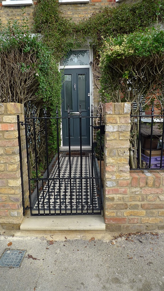 ornamental stone victorian mosaic black and white metal rail metal gate Balham Clapham Battersea Dulwich London (10)