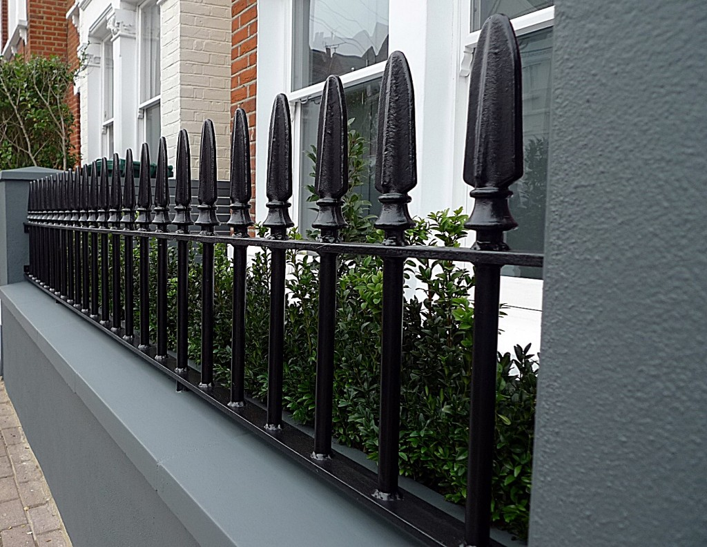 Planting coping wrought gate metal rail grey colour walls London Wandsworth Battersea Clapham