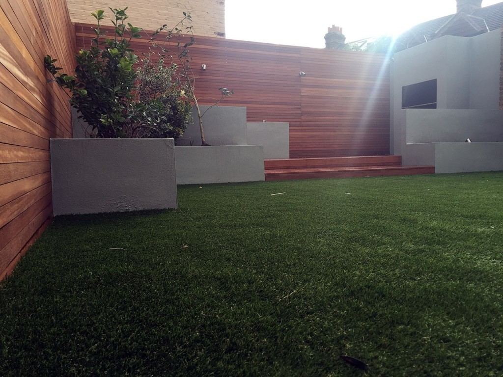 Fake grass hardwood bbq fireplace privacy screen London Balham Clapham