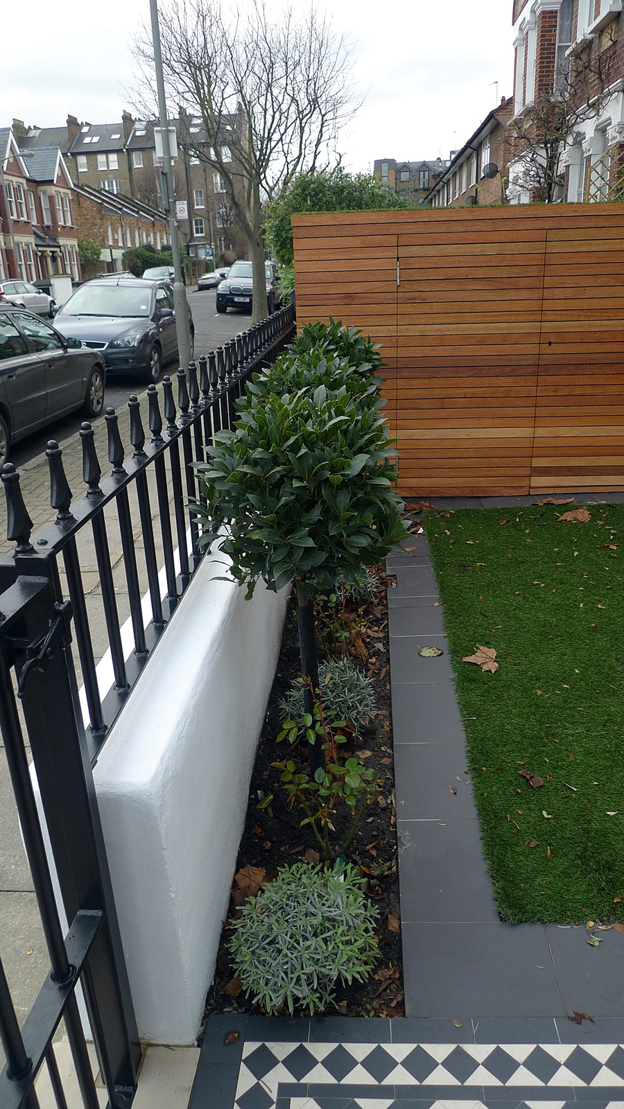 Planting small design front garden london clapham balham for Small front garden plans