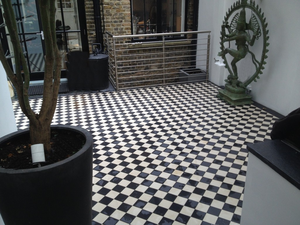 Victorian black and white courtyard paving tile mosaic Clapham Battersea Chelsea Kensington mayfair fulham London