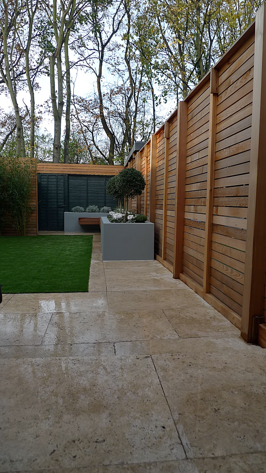 Cedar london garden design for Horizontal garden screening