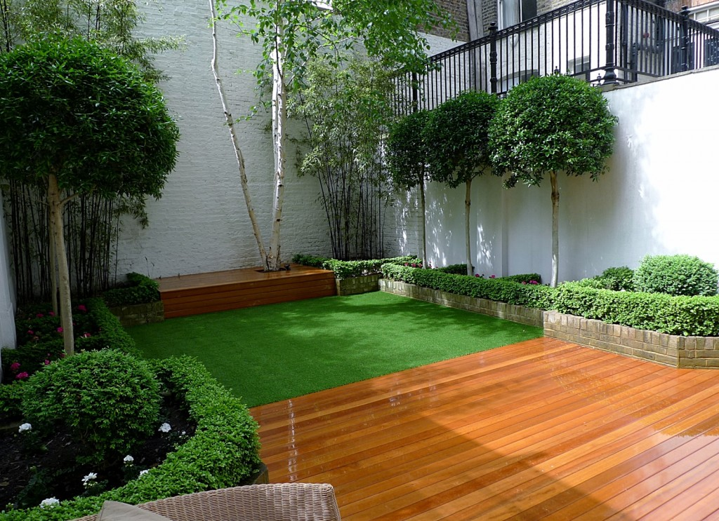 Amazing planting scheme chelsea fulham battersea london for Garden decking and grass